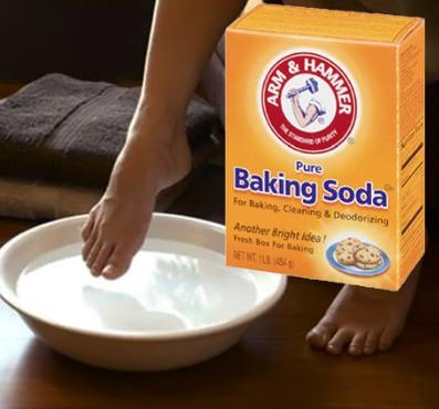 Agua con sal y bicarbonato para los pies