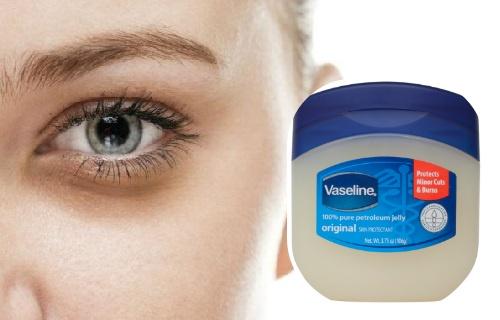 Cómo usar vaselina para las ojeras